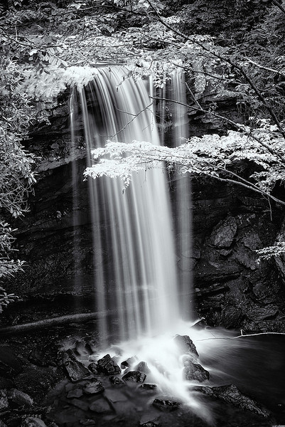 """<a href=""""http://www.photographycorner.com/forum/showthread.php?t=110181"""">Cucumber Falls, PA</a> by <a href=""""http://www.photographycorner.com/forum/member.php?u=20090"""">anjin_nav</a>"""