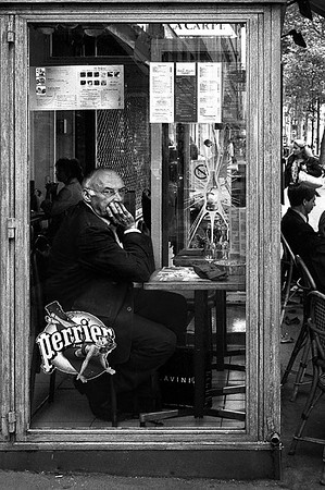 """<a href=""""http://www.photographycorner.com/forum/showthread.php?t=112782"""">The Man in the Café</a> by <a href=""""http://www.photographycorner.com/forum/member.php?u=3063"""">Tuna</a>"""