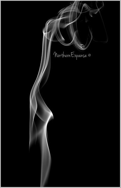 "<a href=""http://www.photographycorner.com/forum/showthread.php?t=112719"">Playing with Smoke</a> by <a href=""http://www.photographycorner.com/forum/member.php?u=4337"">Gems</a>"