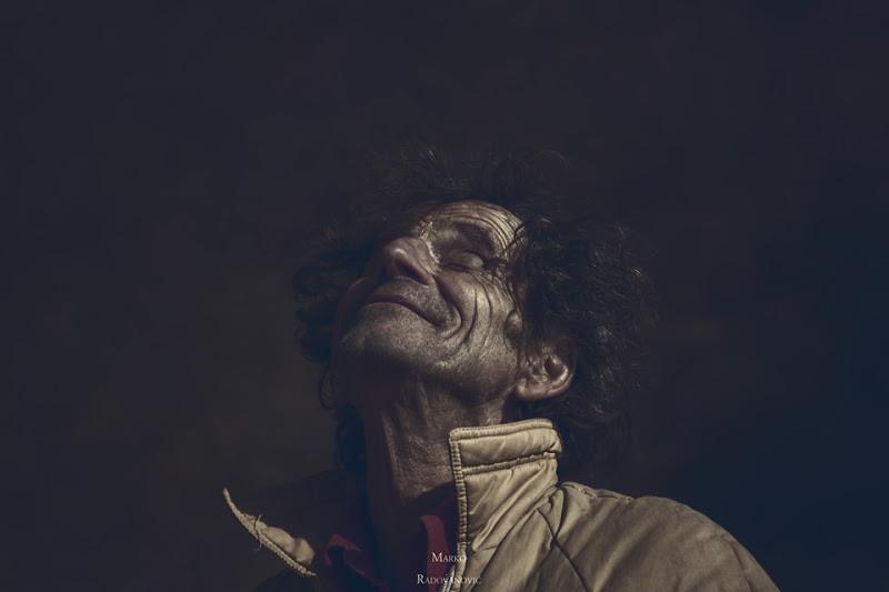 """<a href=""""http://www.photographycorner.com/forum/showthread.php?t=113896"""">Gadafi</a> by <a href=""""http://www.photographycorner.com/forum/member.php?u=30780"""">Nordi</a>"""