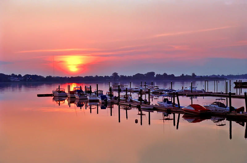 "Round 1, Group VII Winner Sunrise Marina by <a href=""http://www.photographycorner.com/forum/member.php?u=144"">Patman10</a>"