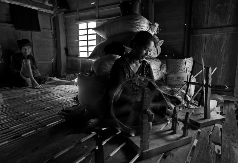 """Live Kajang Tribe by Alamsyah  <a href=""""http://www.photographycorner.com/forum/showthread.php?t=96308"""">See the Round 1 Voting Results here</a>"""