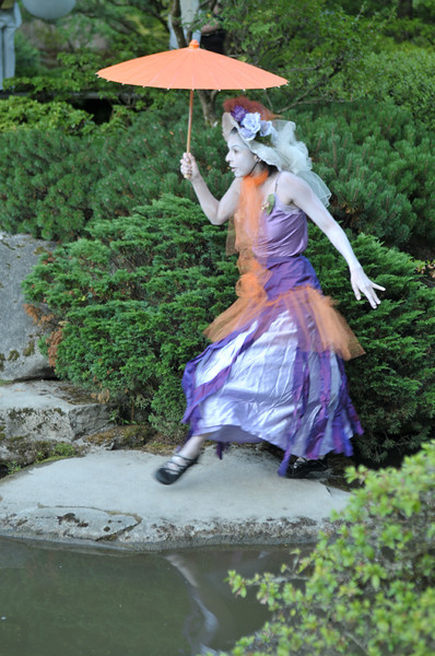 """Butoh Dancer 2   <font size=""""+1""""><a href=""""http://www.photographycorner.com/forum/showthread.php?t=102812"""">See the voting results HERE!</a></font>"""