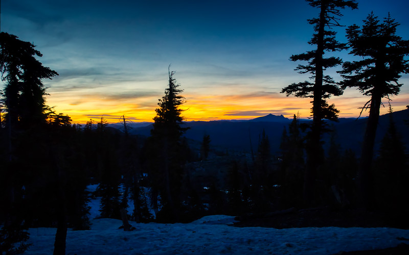 Sunset over the Sierra Buttes and Northern California