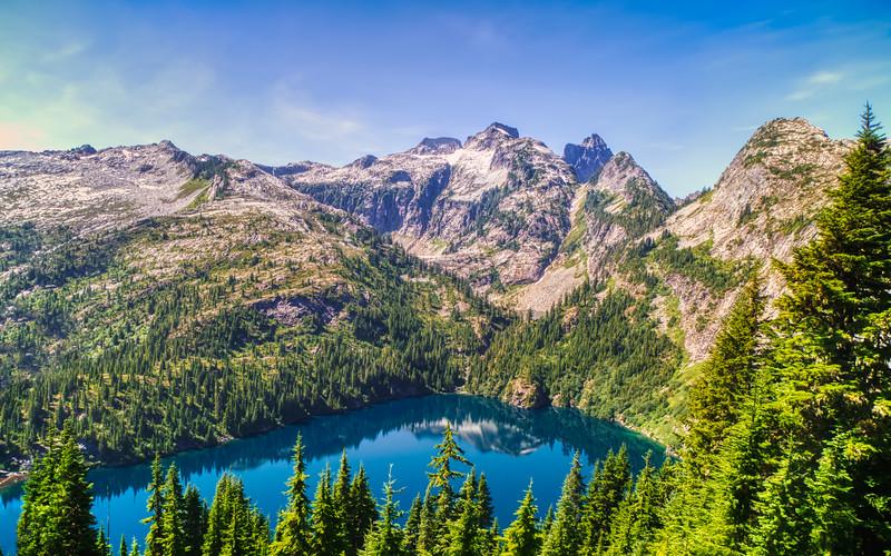 Thornton Lake and Mount Triumph
