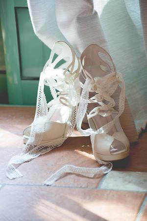 Photographe mariage Montpellier :  chaussures de mariée