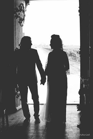 Photographe Mariage Montpellier - le meilleur des photos du couple à l eglise par Philippe Holderied