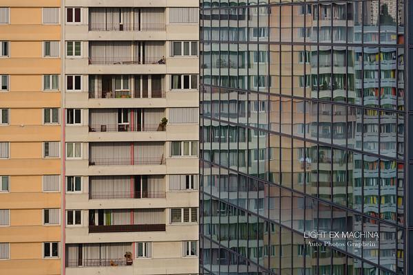 [ Auto Photos Graphein ] serie - Reflet d'une société