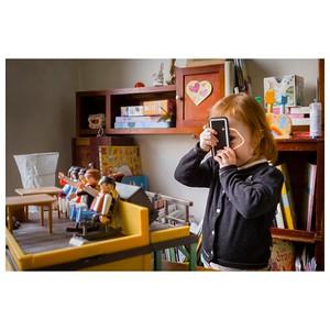 Transmettre sa passion 🤩 📸 À votre avis quel est l'appareil photo que j'utilise le plus ? A. Photophone B. Reflex  #transmettre #passion #jeunetalent #photographe #photographer  #photographathome #paris #parisphoto #RestezChezVous #stayathome #covid19