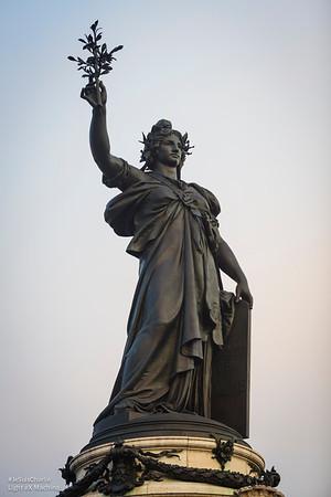 Statue de la République Française.