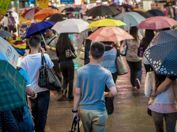 The man without umbrella / Street HK