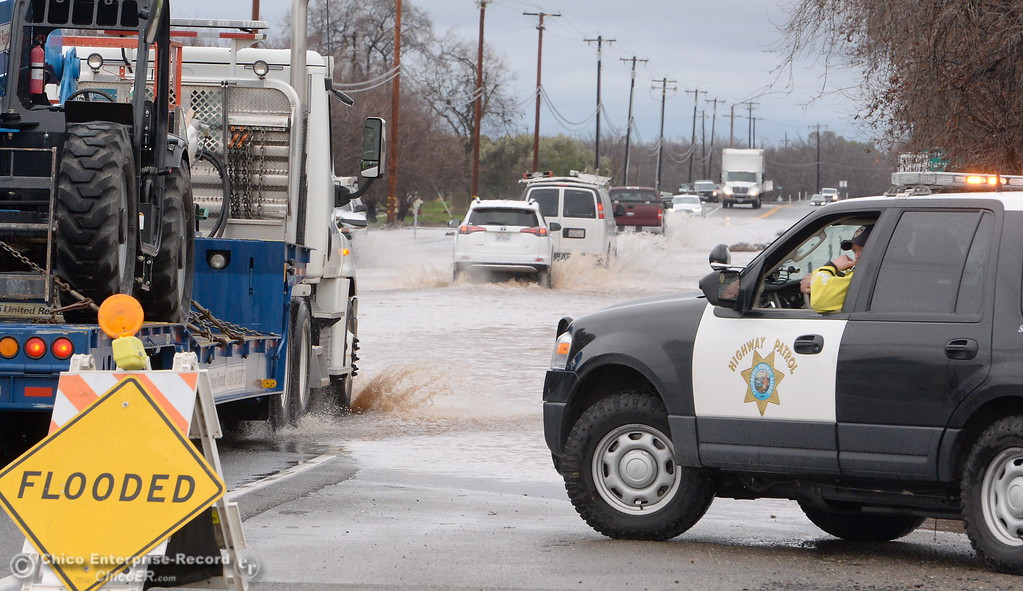 . Hwy 99 in north Chico sees flooding as rain continues to pound Chico, Calif. and surrounding areas Friday Jan. 20, 2017. (Bill Husa -- Enterprise-Record)