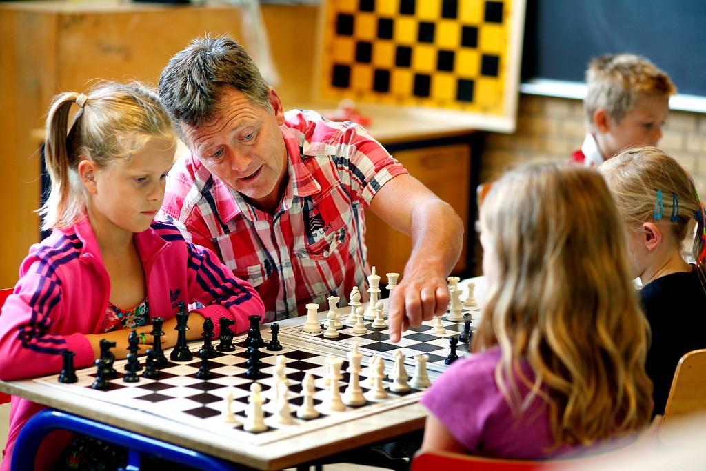 Børn spiller skak, projekt i SFO, Hjortshøj