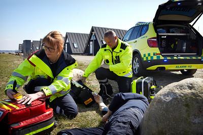 Akutbilen bemandet med sygeplejerske Anni Helene Kanstrup og paramadiciner Michal Carlsen Skive, 22.4.2013