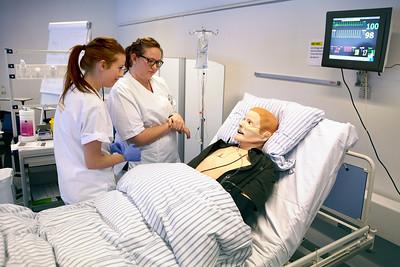 Undervisning med SimMan dukke på sygeplejerskeuddannelsen Vejle 15.1.2013