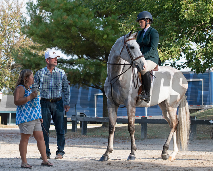 (L-R): Carisa Figgins, Ollie L. FIggins III, Blazin Luck and Emilie Figgins at <br /> Thoroughbred Makeover at the Kentucky Horse Park.