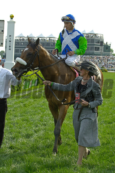 Caption: Gretchen Jackson walks Barbaro into winners circle.<br /> Kentucky Derby Day at Churchill Downs in Louisville, Ky on May 6, 2006.<br /> DerbyDayOrigs5 image302<br /> Photo by Anne M. Eberhardt