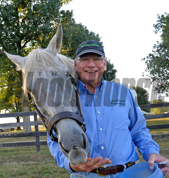 Michael Blowen  with Silver Charm.<br /> Old Friends retirement home with Michael Blowen near Georgetown, Ky. on Sept. 15, 2015.