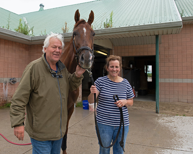 (L-R): trainer Robert Tiller, Pink Lloyd, and primary caretaker Michelle Gibson<br /> at Woodbine.