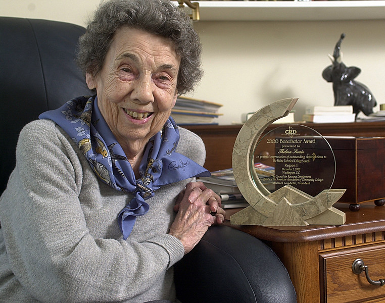 Thelma Swain flashes a large smile at her Augusta home while talking about her 2000 Benefactor Award for Outstanding contributions to the Maine Techinal College System from the American Association of Community Colleges.<br /> Power PC ADVANCE FEATURE - SWAIN, THELMA - BD<br /> <br /> DeLong Photo