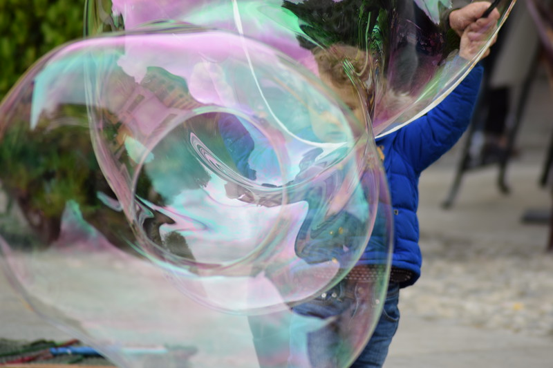 Soap bubbles, Elena Gardelli, artists-on-board.com
