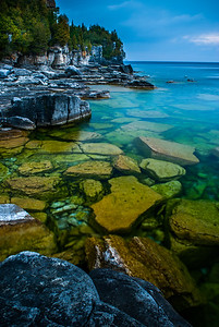 Cobble Stone Beach - Cliffs, Bruce Peninsula National Park