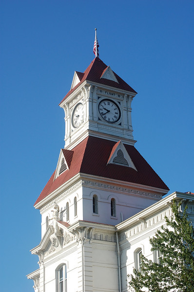 The Benton County Courthouse was completed in 1888. This four-story building is the oldest Oregon courthouse still used for its original purpose. Topped by a clock tower housing both a bell and a carillon, the courthouse is visible for miles.