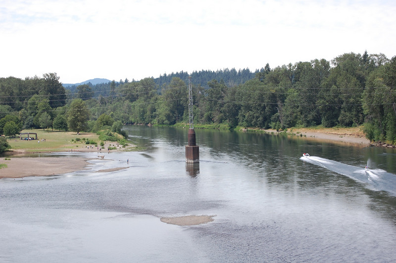 The Willamette River looking upstream (west/south) toward Corvallis.