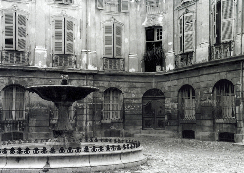 Courtyard in Arles