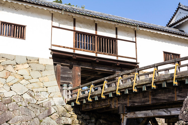 Tenbin Yagura and Rokabashi Bridge. Notice that even at the bridge you would have serious problems getting in to the castle. Two windows above, four to the side, and two higher ones in the turrets would all direct fire at you, not to mention the trick of setting fire to the bridge.