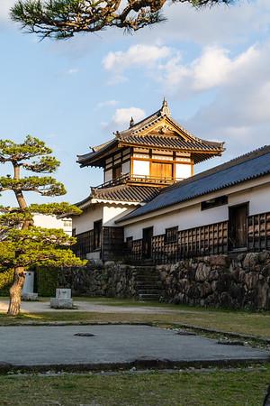 Taikoyagura, drum turret and the Tamonyagura, long turret.