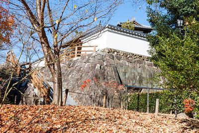 Koraimon gate with defending walls.