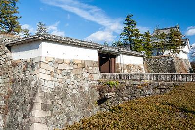 The omote-ninomon gate.