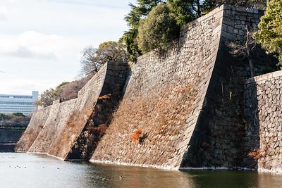 The zigzag, 'yokoya gakari', ishigaki stone wall of the moat.