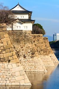 The Rokuban, yagura, turret on Ishigaki stone walls with the Minamisotaburi, moat.