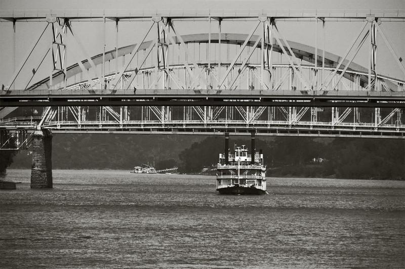 Ohio River-393bw