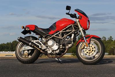 LDub`s Ducati Monster 900