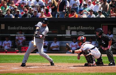 Yankees slugger Hideki Matsui goes yard. Gone !