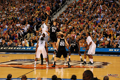 Tip off, NCAA semi finals, Butler vs Michigam State, 2010 Indy