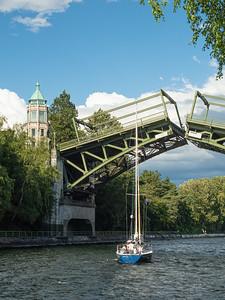 Montlake Bridge, Going Up