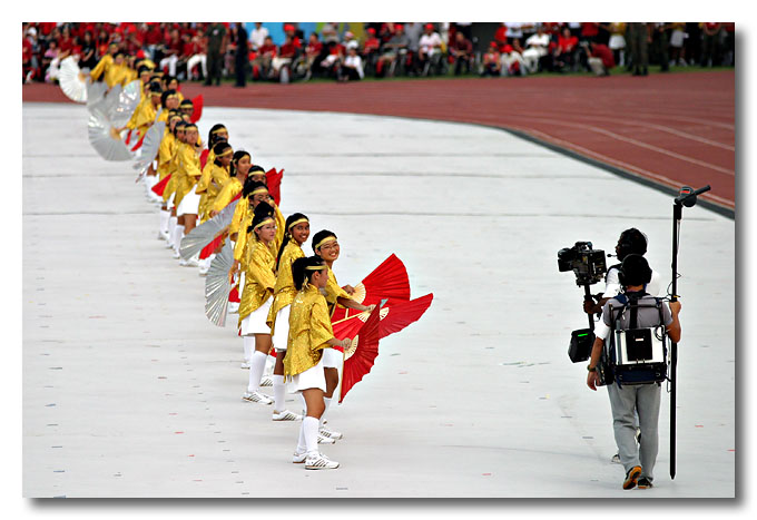 """""""Hey!!! We're on TV!!"""" National Day Parade 2003."""