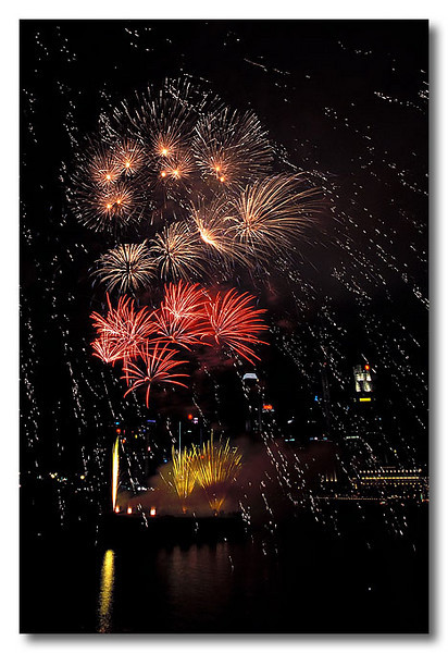 Hey! There's snow too!! Singapore Fireworks Festival.