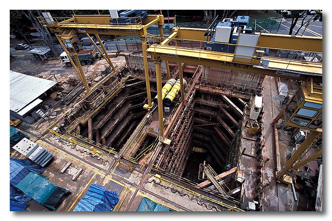 Circle line digging. Benjamin Shears Bridge.