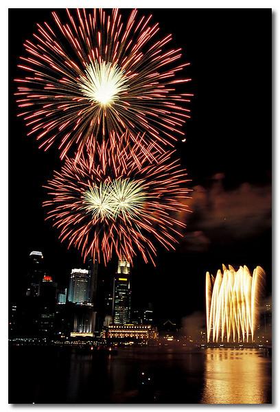 1 of the 2 decent firework shots, Duh!!! Benjamin Shears Bridge, National Day Parade.