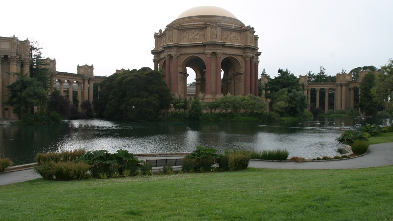 A foggy day at the Palace of Fine Arts. San Francisco.