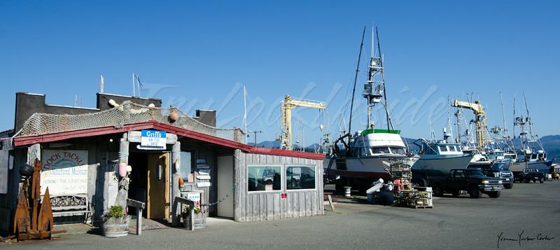 Griffs on the Dock at Port Orford, Oregon. Fabulous fresh crab. Donʻt miss this place!