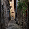 Narrow passage (Ascoli Piceno, Italy, 2009)