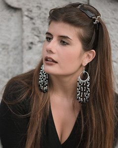 A woman with earrings (Rome, Piazza di Spagna, Italy, 2009)