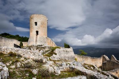 Bominaco castle