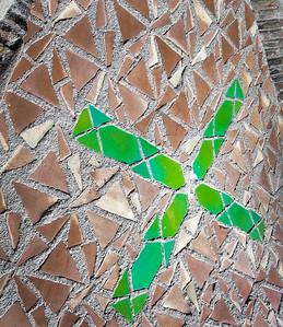Tile cross